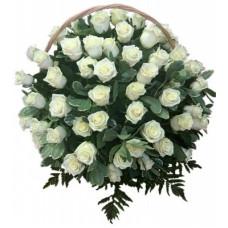 КОРЗИНА «РОЗА», ИЗ ЖИВЫХ ЦВЕТОВ (1,1м) 2 (100 шт - розы, аспарагус, гипсофилл, рабелини)